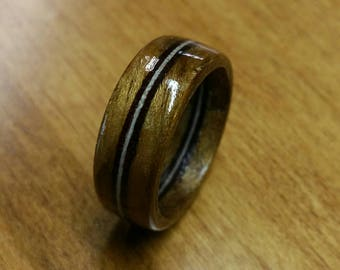Wood ring, with inlay.