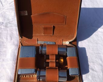 Vintage Mens grooming set in a leather case