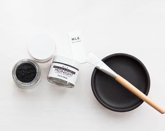 Midnight Charcoal Face Mask contains vitamin e ( Ultra detox deep cleansing mask). Face mask. Acne treatment. detox