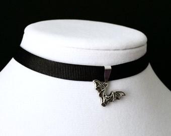 Small Bat Choker, Black Bat Choker, Gothic Jewelry, Bat Necklace, Black Glitter Choker, Gothic Choker, Bat Jewelry, Bat Pendant