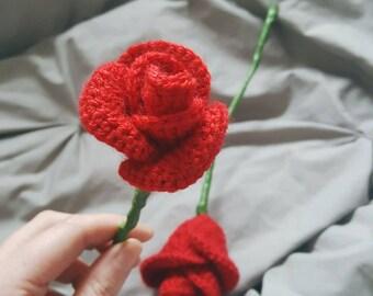 Crochet Rosebud // Home Decor // Floral