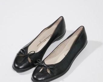 Ferragamo - Flat leather shoes