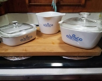 Corningware collection of baking dishes with lids (2)
