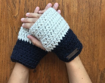 Color blocked fingerless gloves