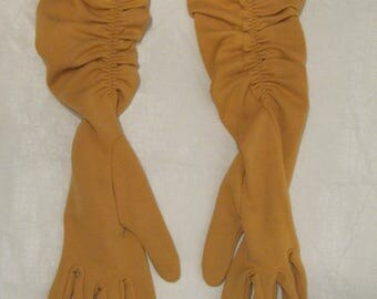 Vintage 1950s Tan Knit Long Evening Gloves With Ruching Size Small