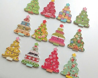 10 wooden Christmas tree buttons