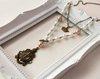 Emblem Lady Necklace , lolita cute kawaii pearl crown classic