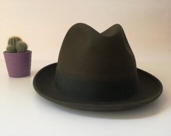 Mens hat. US 7 3/8. Unique piece. Formal hat. Trilby. Gray hat. Italian hat. 1970s. Vintage hat. Casual hat. Original vintage. 59 cm.