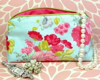 Floral makeup bag, retro flower makeup bag, hen party favor, retro makeup bag, makeup bag, floral cosmetics bag, floral toiletries bag