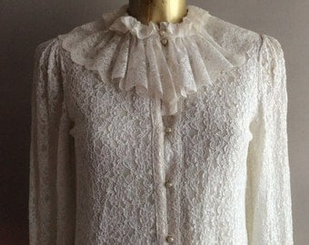Vintage White Lace Ruffle neck blouse