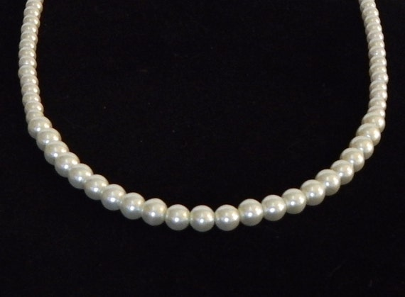 Mother Of The Groom Gift: Items Similar To Pearl Glass Beaded Necklace Gift Under 20