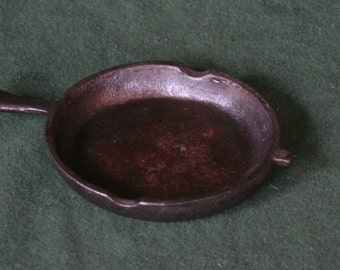 Miniature Iron Skillet, Ashtray