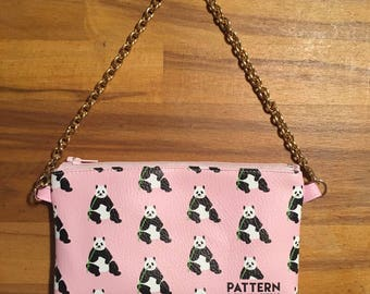 Pouch pocket with chain travellovebag love China