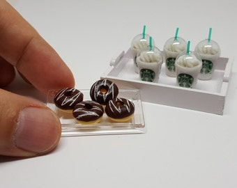 Dollhouse Miniatures Drinks Set of 5 Starbucks Coffee and 4 Donuts Food Bakery