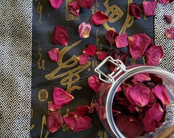 Red Rose Confetti, Classic Red Rose Confetti, Natural, Dried, Biodegradable, Real Petal Confetti for Aisles, cake, flower girls or tables