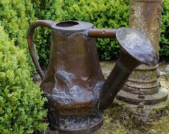 French  copper  watering can. Arrosoir en cuivre. c.1790