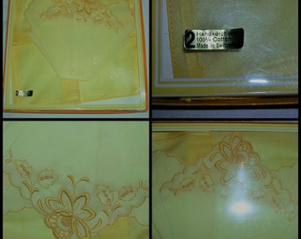 Vintage 1950's beautiful yellow daffodil embroidered ladies handkerchiefs  (m/in Switzerland) presents in original box (never been removed)