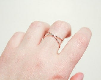 Sterling Silver Criss Cross Ring, Criss Cross Ring, Cross Ring, Thin Silver Ring, Minimalist Silver Ring, Simple Silver Ring, Silver Ring