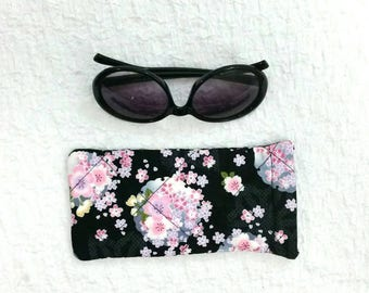 Sunglasses case, glasses pouch, floral sunglasses pouch, glasses case, cute gift, handbag accessories, fully lined, quilted storage, floral