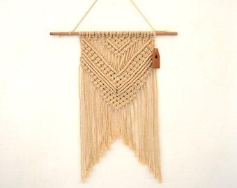 Weaving wall macrame Bohemian spirit