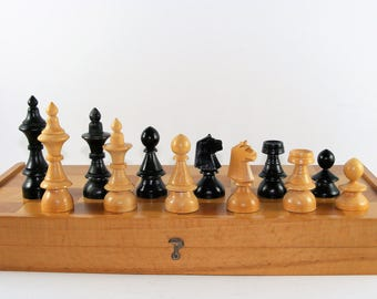 Vintage Rare Wooden 1960's Chess Set That Belonged To The Army Captain 38 x 38cm