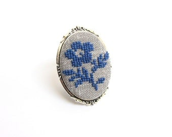 Blue flower embroidered brooch, embroidered pin, cross stitch brooch, handmade jewelry, gift for women, floral brooch, embroidered jewelry