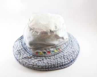 Vintage Denim Bucket Hat // Flower Embroidered Vacation Hat // 90s Gilligan Hat // Boonie Cap