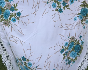 Vintage pretty tablecloth