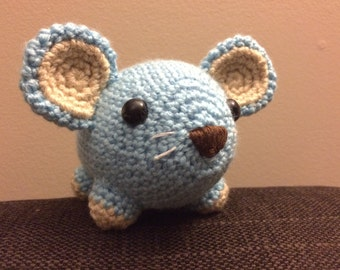 Crafty Mouse - plushie crochet toy