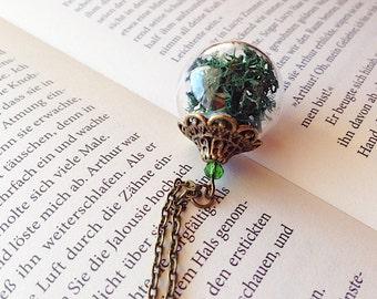 Island moss glass sphere green