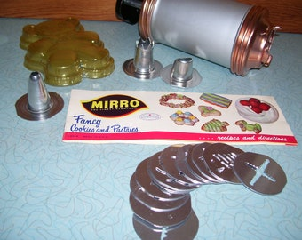 Vintage Mirro Fancy Cookies and Pastry Press