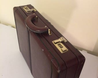 Vintage brown leather attaché case, leather briefcase, briefcase with lock, hard shell case,