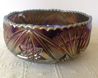 Vintage Carnival Glass Bowl. Collectable glass/fruit bowls/display glass./Home Decor.