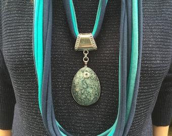 Designer spaghetti necklace with agate gemstone