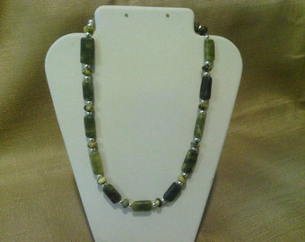 141 Serpentine and Silver Plated Steel Beads Beaded Choker