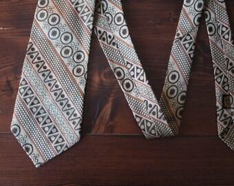 Vintage Men's Wide Tie 1960's, Groovy tie, 60s Necktie, Mod design, Great men's gift!