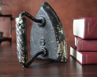 Antique Primitive Cast Iron Sad Iron, Flat Iron, Chippy Paint, No 6., Laundry, book end, door stop