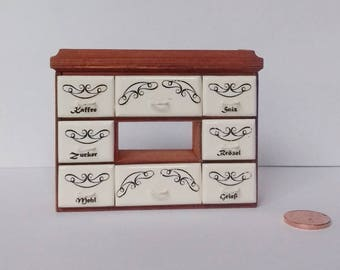 Gewürzboard for the Doll House Cook, in the scale of 1zu12, Doll House, dollhouse miniatures, miniatures,