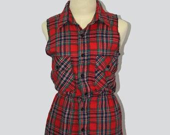 Vintage red tartan woman vest //  Red tartan vest // Vintage vest // 70s