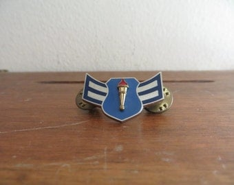 US Air Force ROTC Cadet Metal Badge & Clutchback Pins w/free ship