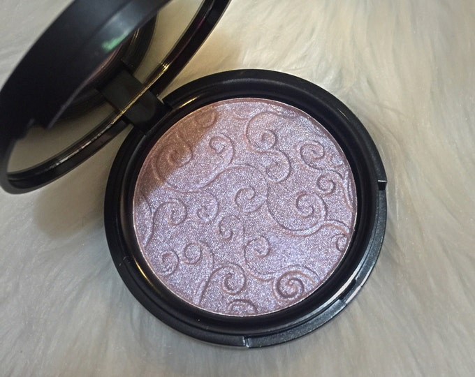 LAVENDER ICE - pressed highlighter