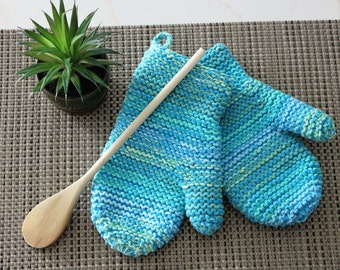 Set of 2 knitted oven mitts / Set of 2 knitted oven mitts / gift for woman / gift for her / hostess gift / hostess gift