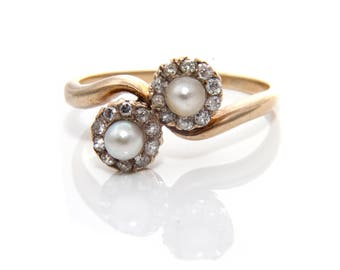 Pearl & Diamond Cluster Twist Ring in Gold
