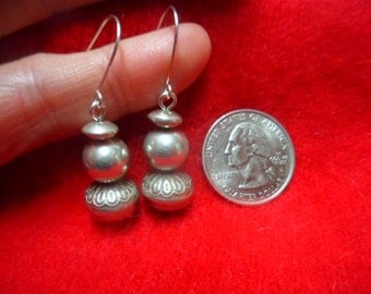 OLD VINTAGE NAVAJO Native American Tribal Bench Bead Stamped Saucer 925 Sterling Silver Earrings Estate Find Lightweight Sturdy Strong