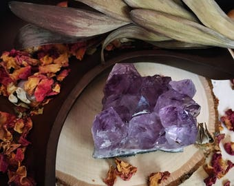 Amethyst Geode / Natural Amethyst / Spiritual and Meditative / Sacred Altar Space / Beautiful Purple Colors