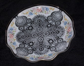shabby Chic stencilled glass vintage tea party plate 26 cm