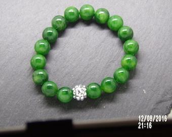 B1228 Green Glass Beaded Bracelet.
