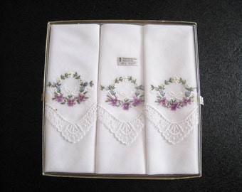 """3 handkerchiefs of mouchoirs vintage white 28 x 28, 11 x 11 """", floral embroidery, purple, green, yellow, white, lace border, cotton,"""