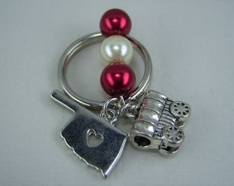 K215, Crimson and Cream Glass Pearl Beads with Oklahoma and Schooner Charm Key Chain