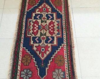TURKISH KILIM RUG .......genuine vintage village handmade......free shipping
